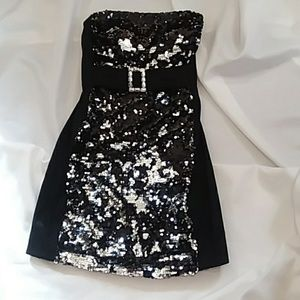 MORGAN & CO. evening dress black with sequins